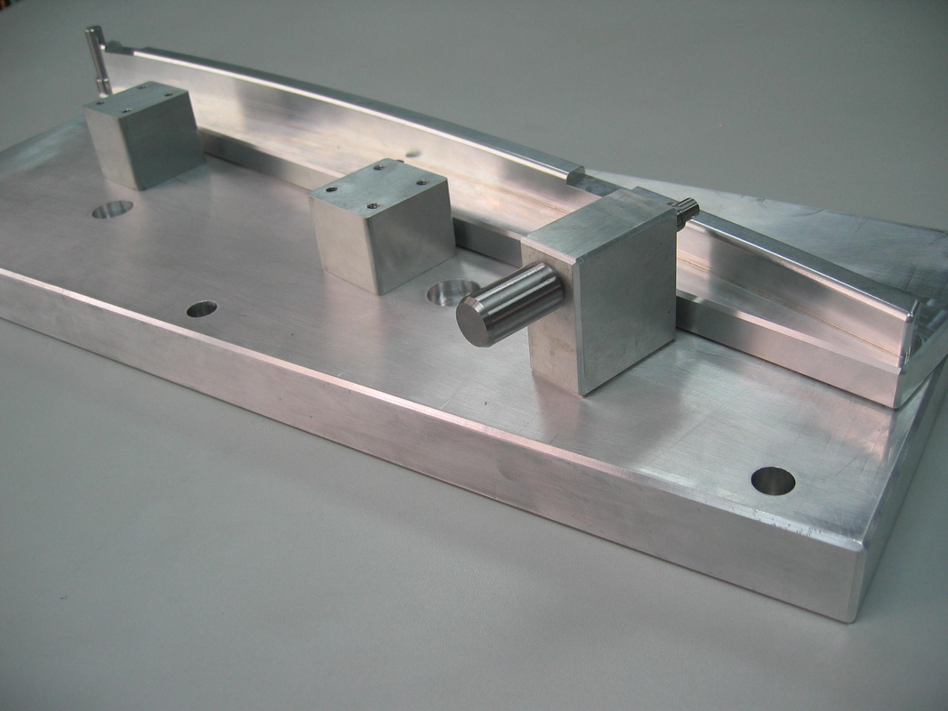 China precison mold maker and plastic injection molding parts - TSY